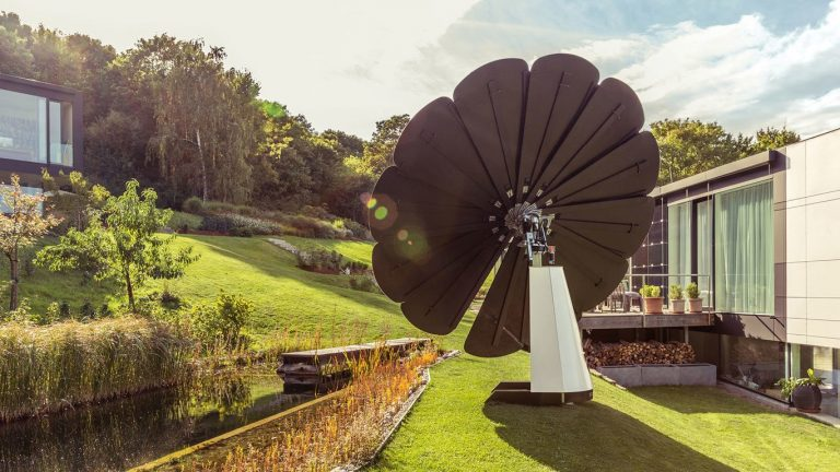Smartflower – Green, solar energy without the hassle of installing panels onto your roof