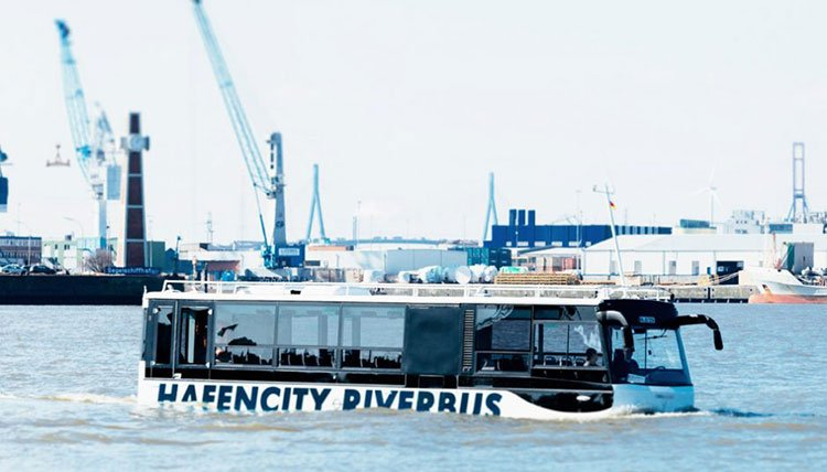 hafencity riverbus is the first amphibious bus in germany. Black Bedroom Furniture Sets. Home Design Ideas