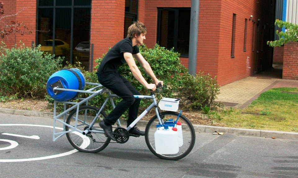 Bike Washing Machine >> Spincycle University Student Invents Pedal Powered Washing Machine