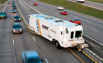 Road-Zipper-Barrier-Transfer-Machine