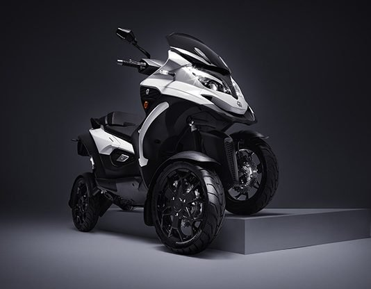 Quadro-Qooder-4-Wheel-Tilting-Scooter