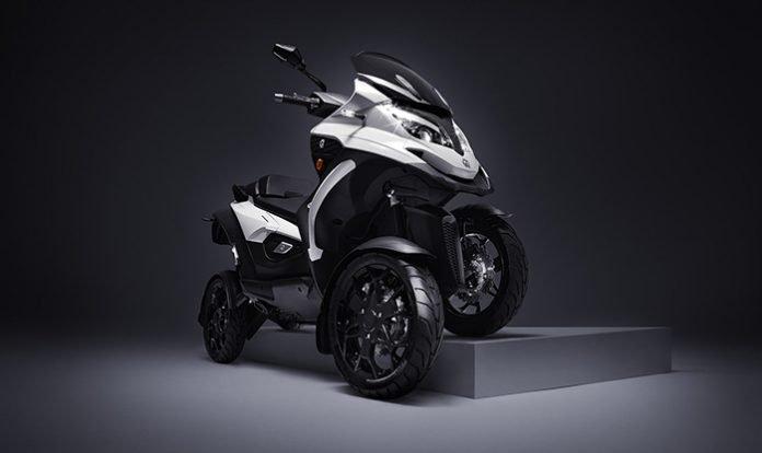 Quadro-Qooder-4-Wheel-Tilting-Scooter
