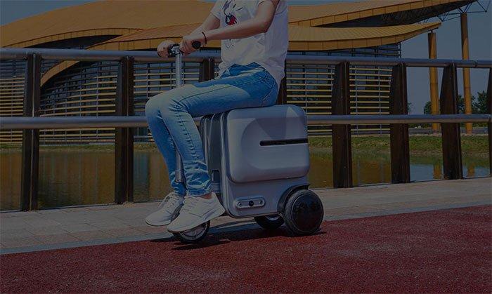 Airwheel SE3 Smart Rideable Suitcase