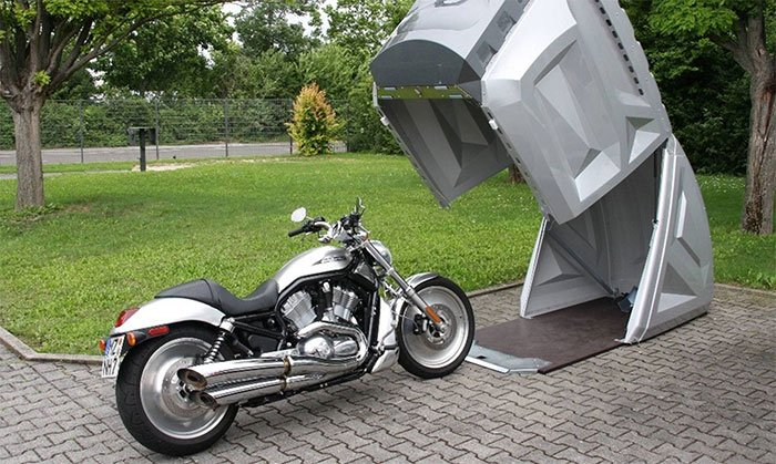 Weatherproof and lockable garage for motorcycle, quad, e-bike or e-scooter