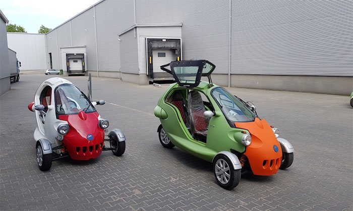 Three-wheeled two-person all-electric urban vehicle