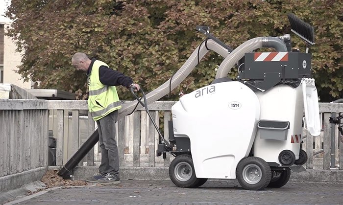 Electric street vacuum cleaner operates with no noise and zero emissions