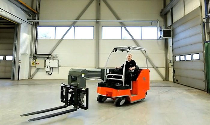 Omnidirectional forklift simplifies material handling within the warehouse