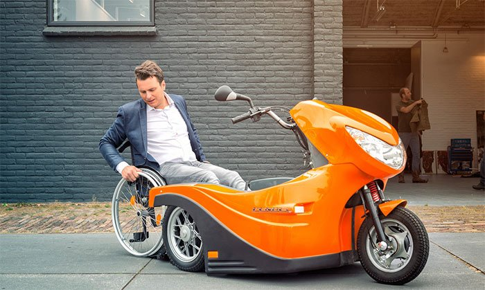 Pendel electric scooter allows wheelchair users to travel independently