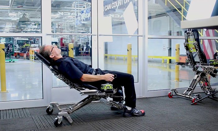 Human Hoist mechanic's chair can help you avoid knee and back injuries
