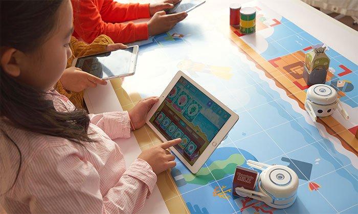 Kamibot Pi: Coding with a STEM toy robot through storytelling
