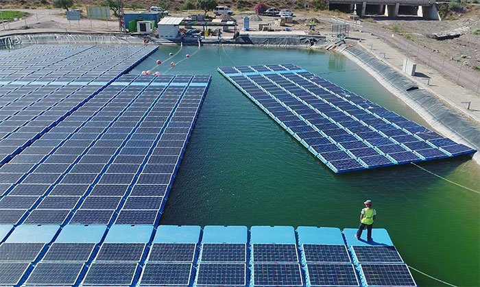Isifloating: Floating solar power technology