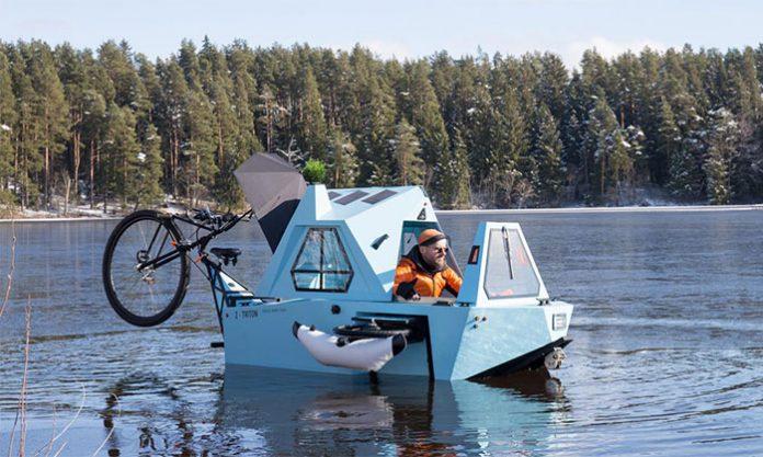 Z-Triton-House-Boat-Trike-On-Water