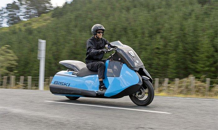 GIBBS-Biski-Amphibious-Motorcycle-On-Land